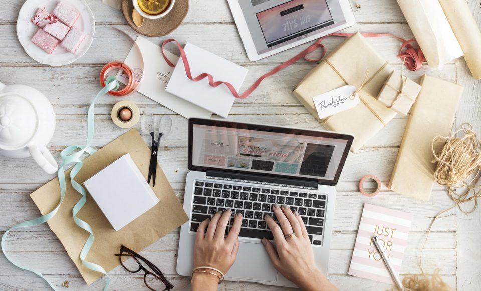 how to write creative CV